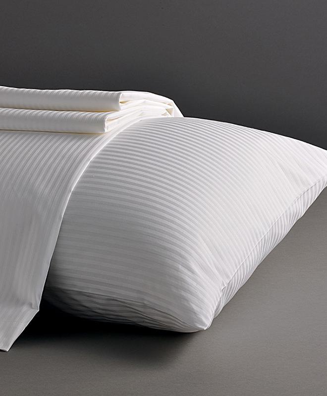 m1782 housse de couette bordeaux 230x275 cm le mobilier du pro. Black Bedroom Furniture Sets. Home Design Ideas